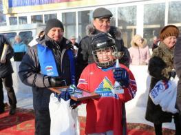 В Ленинском районе Уфы открыта новая хоккейная коробка --977775101